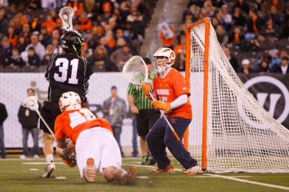 Cuse closes out Duke 13-11- 32