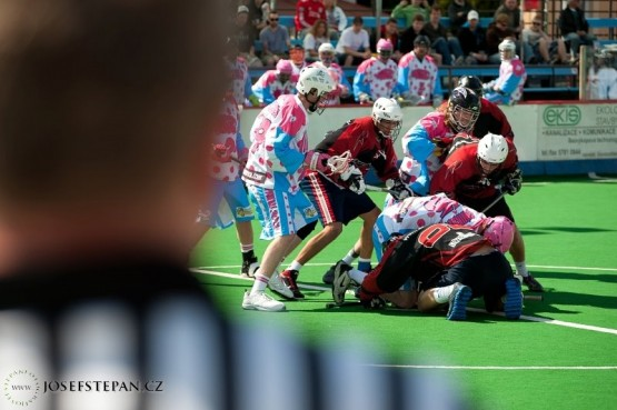 box lacrosse face off
