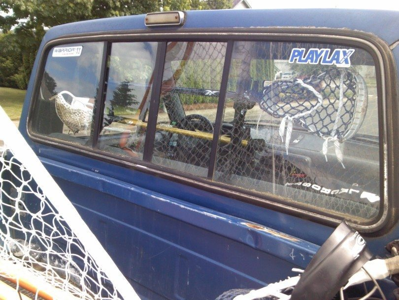 play_lax_lacrosse_gun_rack