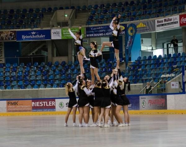 dresden_cheerleaders
