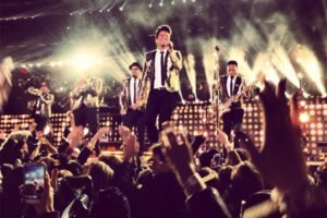 super bowl 48 bruno mars red hot chili peppers hafltime show with drew lacrosse